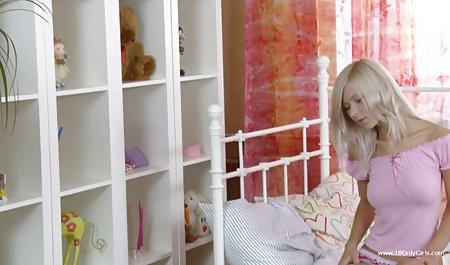 هیتومی تاناکا در حال تهیه و شستن شیر کانال فیلم سوپر سکسی تلگرام عظیم خود است